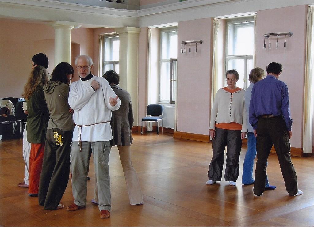 Polarisierende Körperübung, Musikschule Weimar
