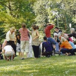 Übung mit Schnüren, Park Köln